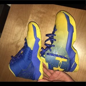 Under Armour Stephen Curry 2.5 basketball shoes